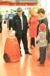 Роботы РБОТ-100 приняли участие в открытии нового магазина М.Видео города Ухта